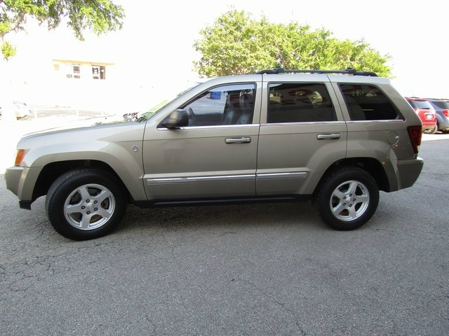 Jeep G.Cherokee Lim 4WD 1Owner 2005 price $5,995 Cash