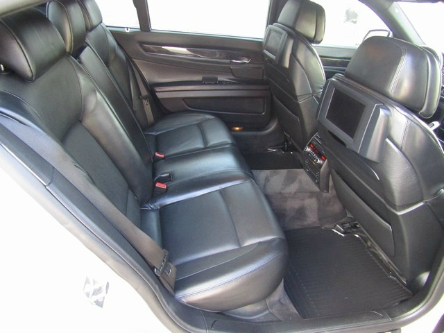 BMW 750LI NAV/DVD M Package 2010 price $11,995 Cash