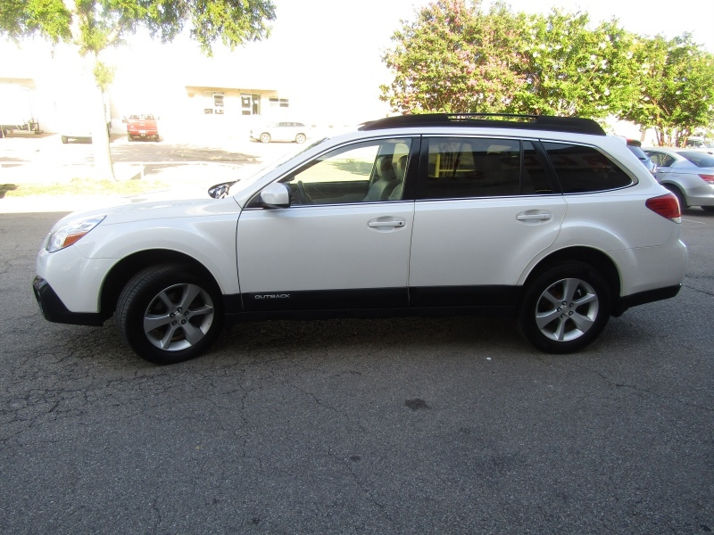 Subaru Outback 2.5i Limited 1 Owner 2013 price $9,995 Cash
