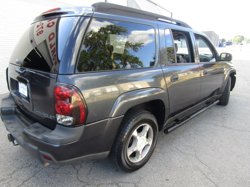 Chevrolet TrailBlazer 1 Owner 3RD Row seat 2004 price $4,995 Cash