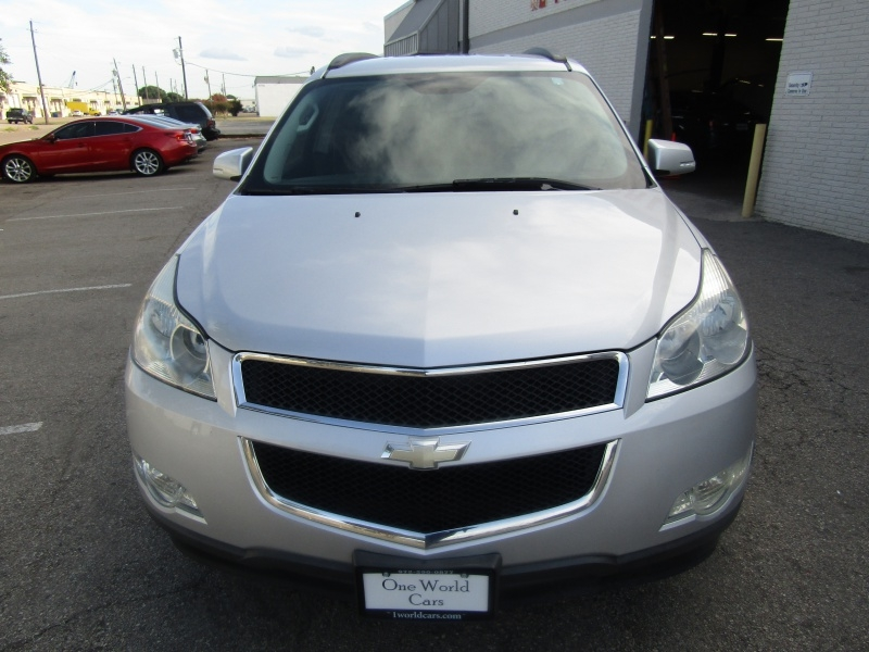 Chevrolet Traverse 2LT 3rd Row Seat1 Owner 2009 price $7,995 Cash