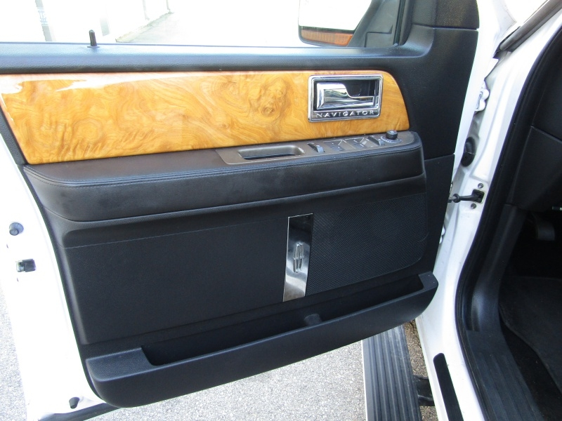 Lincoln Navigator Limited Edition 4WD 2013 price $14,995 Cash