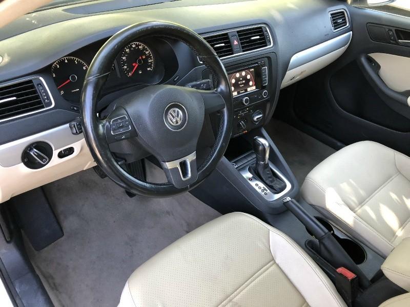 Volkswagen Jetta SEL 2011 price $6,988