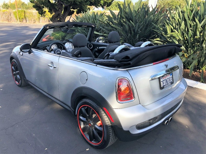 Mini Cooper Convertible 2010 price $7,995