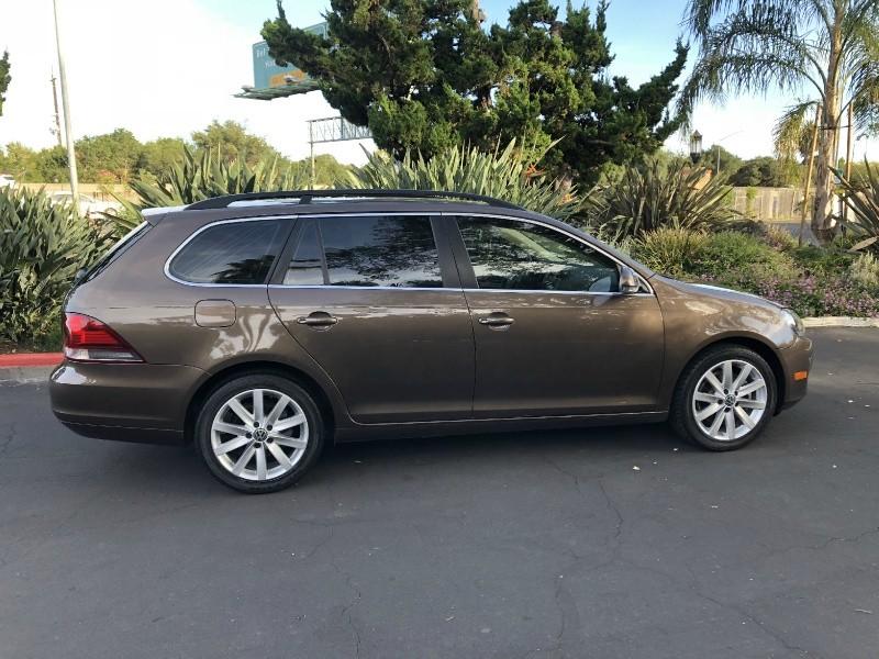 Volkswagen Jetta TDI SportWagen 2011 price $10,495