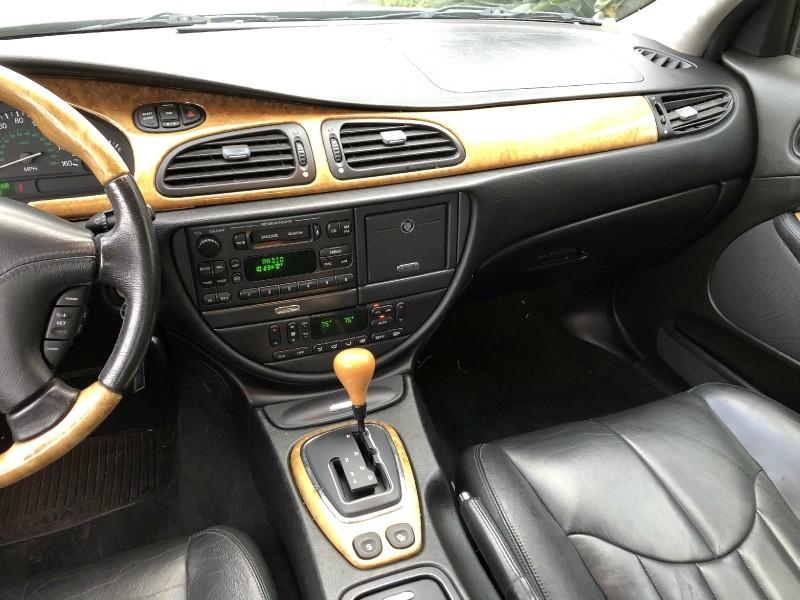 Jaguar S-TYPE 2002 price $3,995