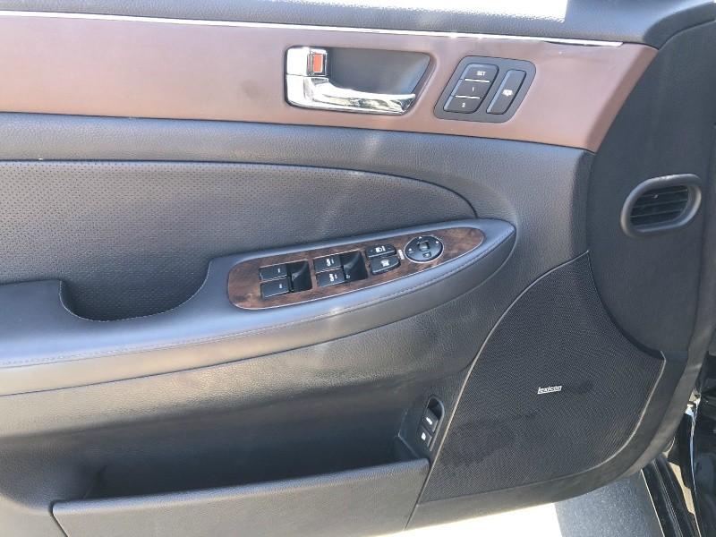 Hyundai Genesis 2009 price $8,995