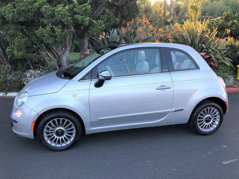 Fiat 500 Lounge Convertible 2012 price $8,850