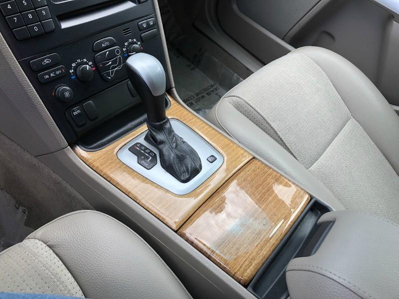 Volvo XC90 2006 price $6,450