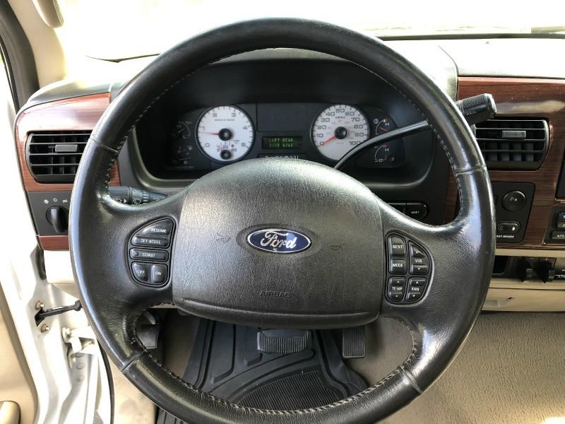 Ford Super Duty F-350 DRW 2006 price $15,850