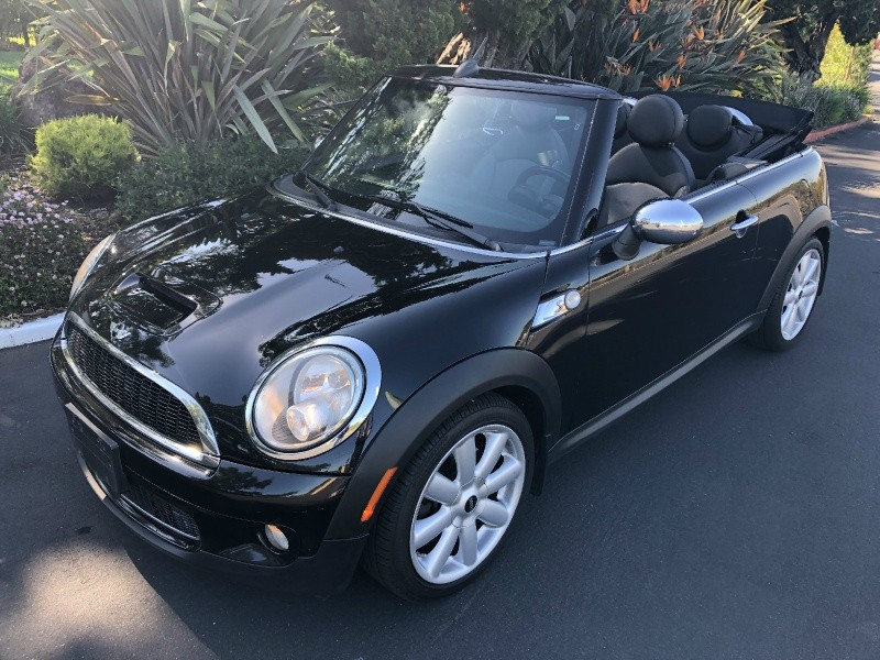 Mini Cooper S Convertible 2009 price $7,550