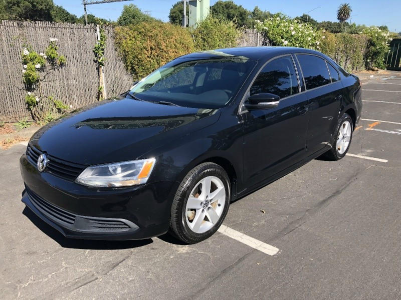 Volkswagen Jetta TDI 2012 price $9,995