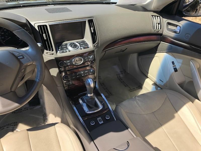 Infiniti G37 Convertible 2010 price $14,885