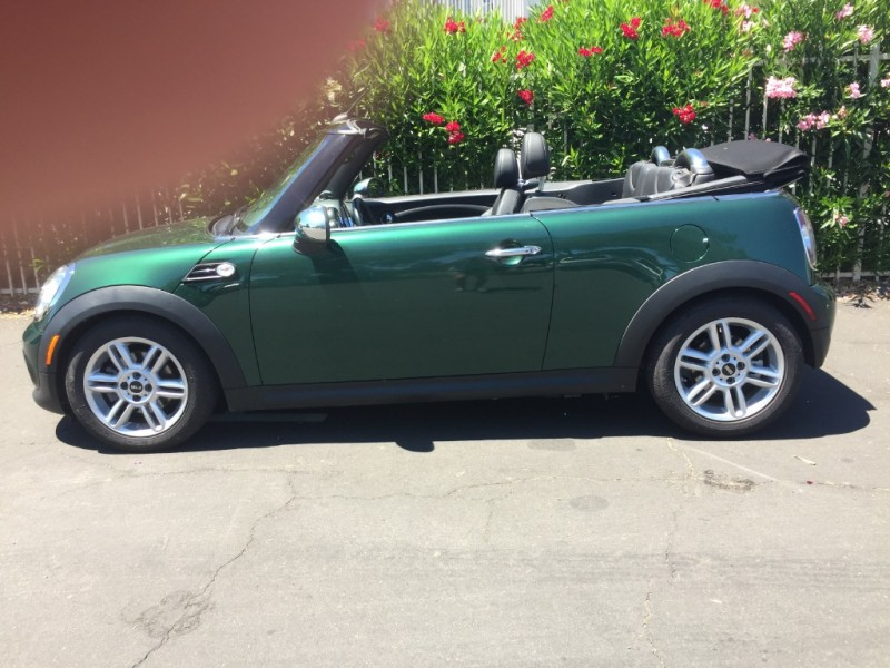 Mini Cooper Convertible 2011 price $10,995