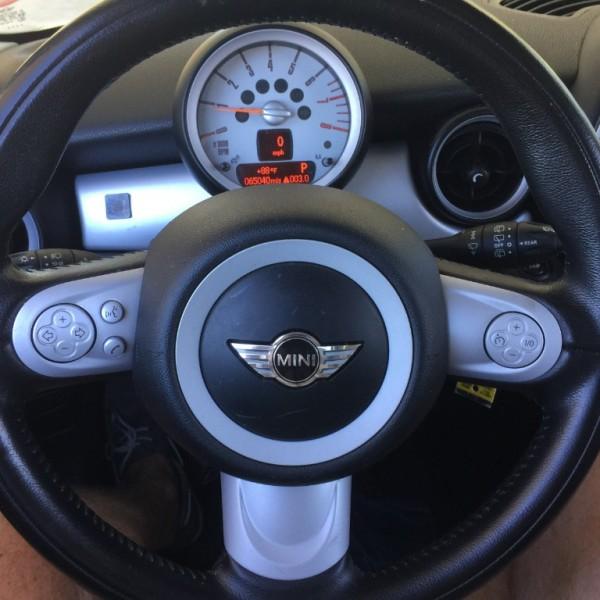 Mini Cooper Hardtop 2010 price $7,995