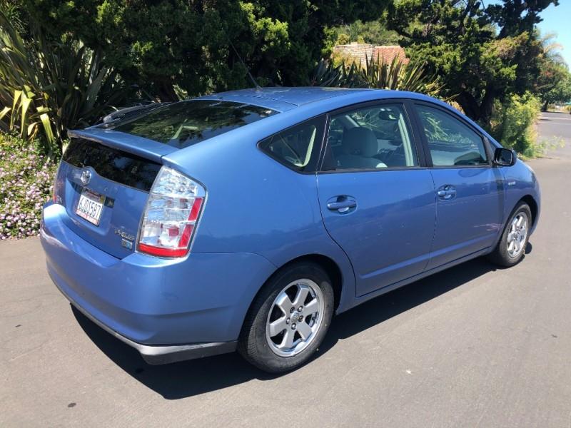 Toyota Prius 2009 price $7,500