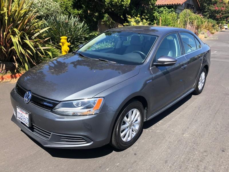 Volkswagen Jetta Hybrid 2014 price $10,200
