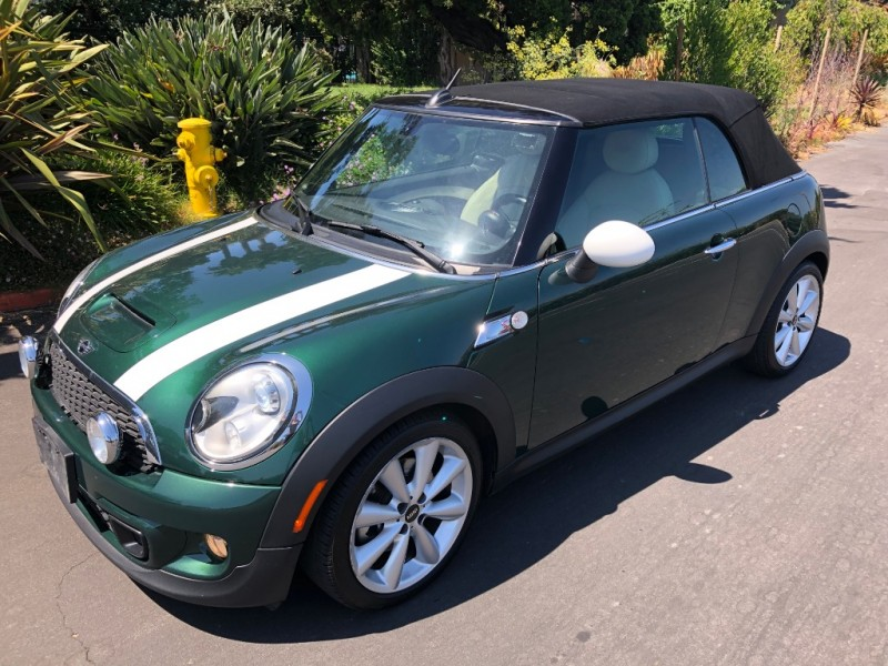 Mini Cooper Convertible 2014 price $13,850