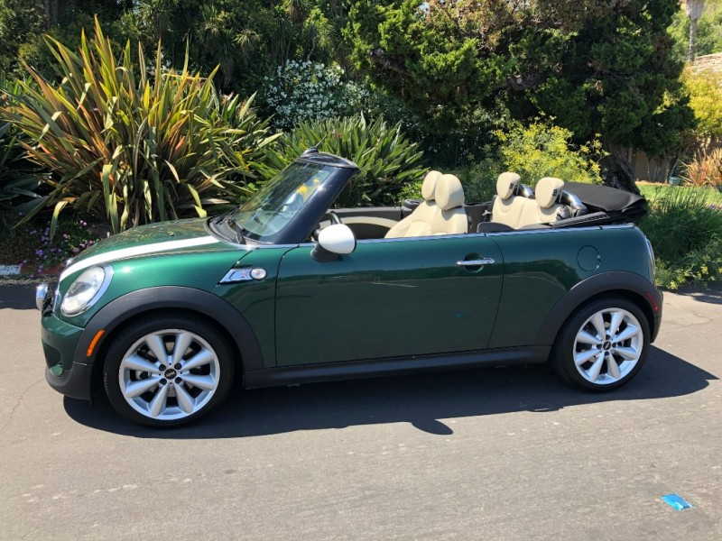 Mini Cooper Convertible 2014 price $11,995