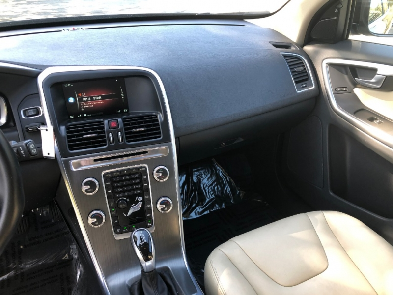 Volvo XC60 2016 price $19,995