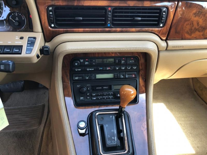 Jaguar XJ 1997 price $4,995
