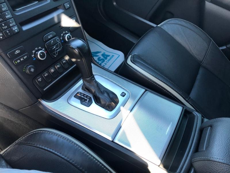 Volvo XC90 R-Design 2011 price $12,995