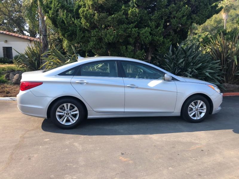 Hyundai Sonata 2012 price $11,650