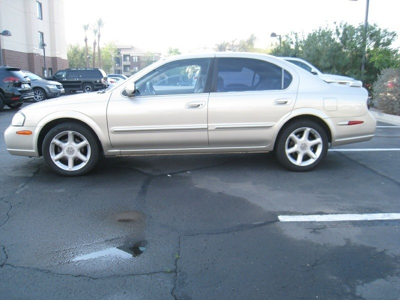 Nissan Maxima 2000 price $3,295 Cash