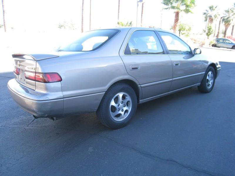 Toyota Camry 1999 price $3,000 Cash