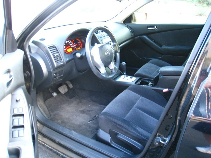 Nissan Altima 2008 price $3,400 Cash