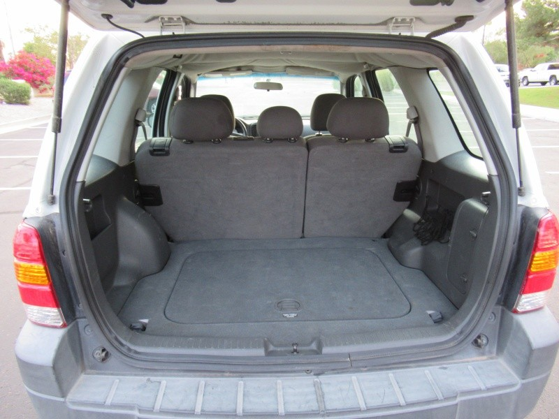 Ford Escape 2005 price $3,495 Cash