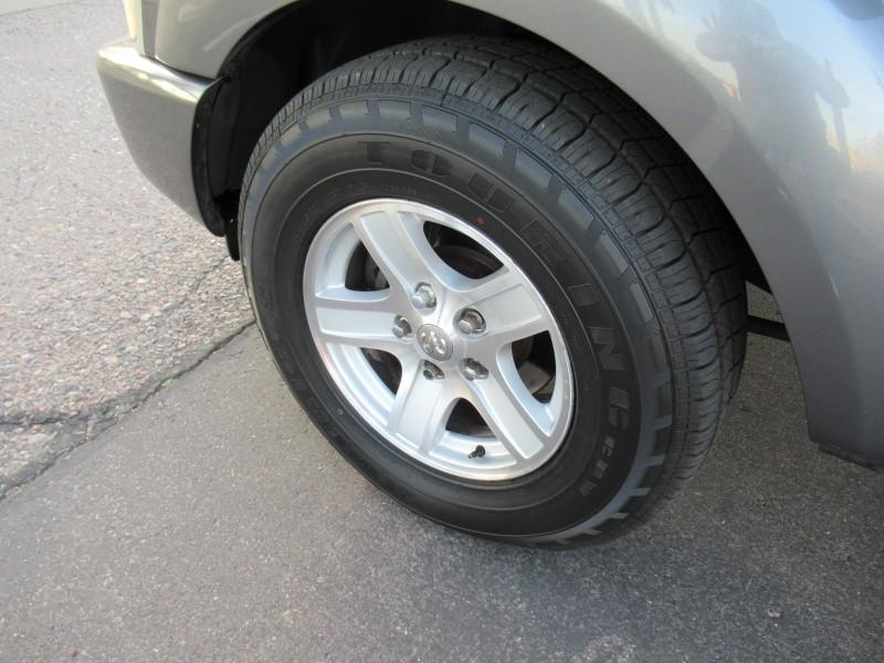 Dodge Durango 2005 price $3,400 Cash