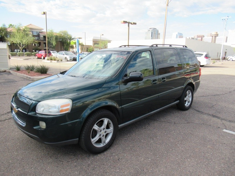 Chevrolet Uplander 2005 price $3,300 Cash