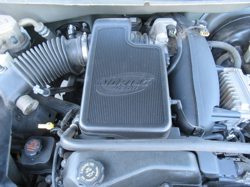 Oldsmobile Bravada 2002 price $3,300 Cash