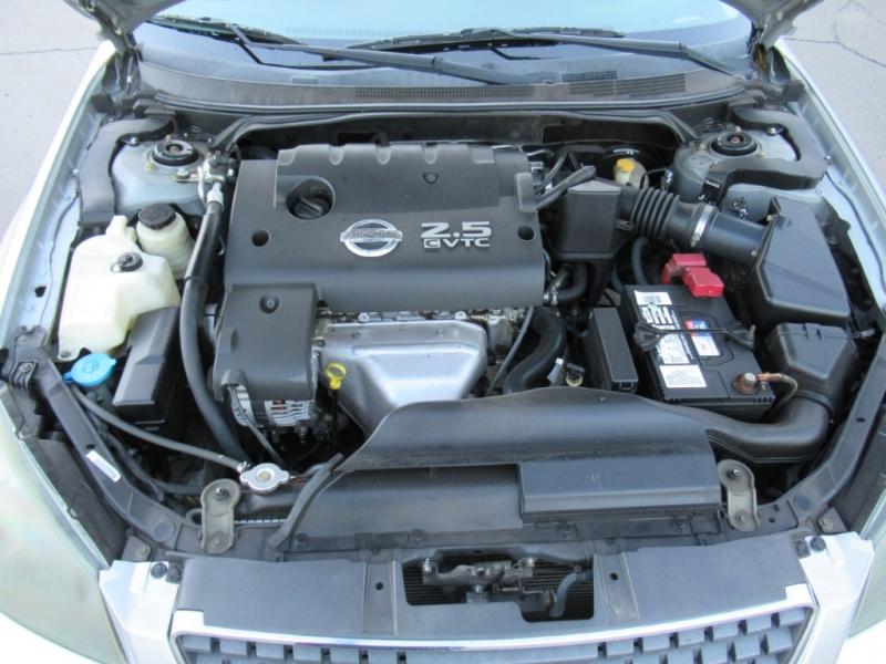 Nissan Altima 2005 price $3,900 Cash