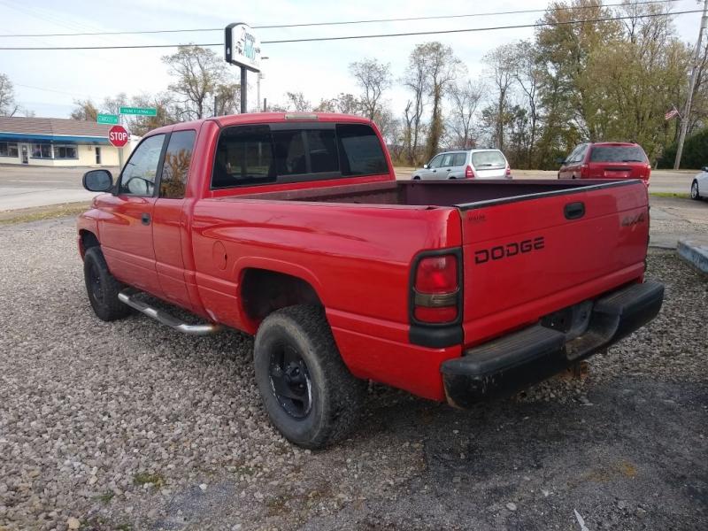 Dodge RAM 1500 2001 price $2,999
