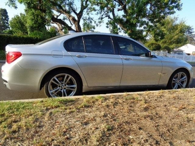 BMW 7-Series 2011 price $15,988