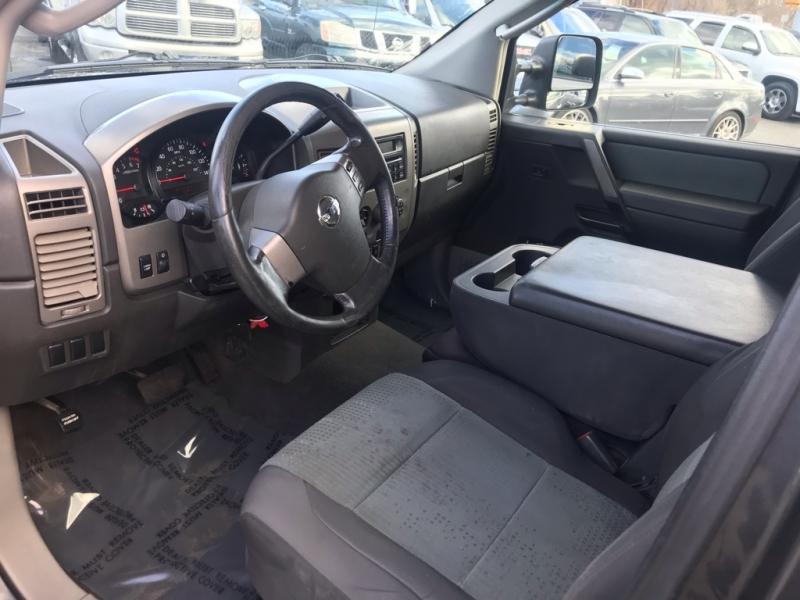 Nissan Titan 2004 price $4,995 Cash
