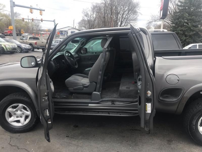 Toyota Tundra 2005 price $7,995 Cash