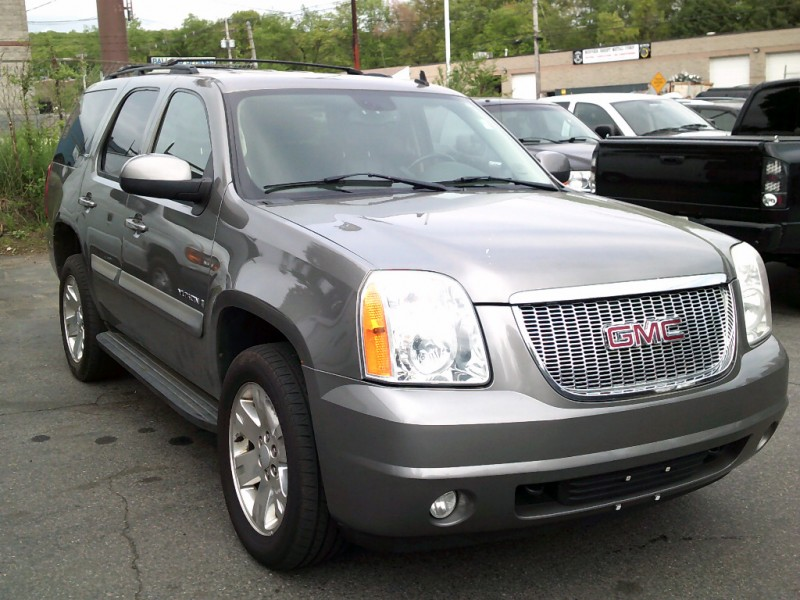 GMC Yukon 2008 price $7,995 Cash