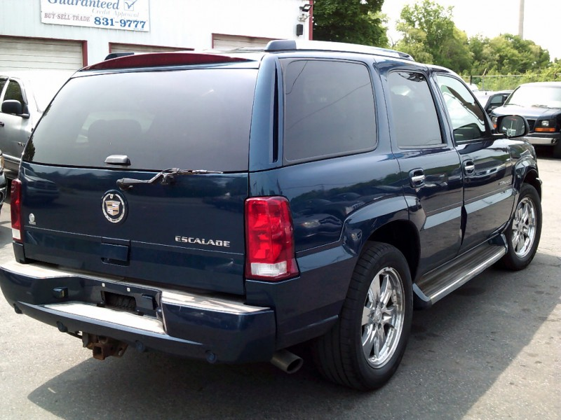 Cadillac Escalade 2005 price $4,995 Cash