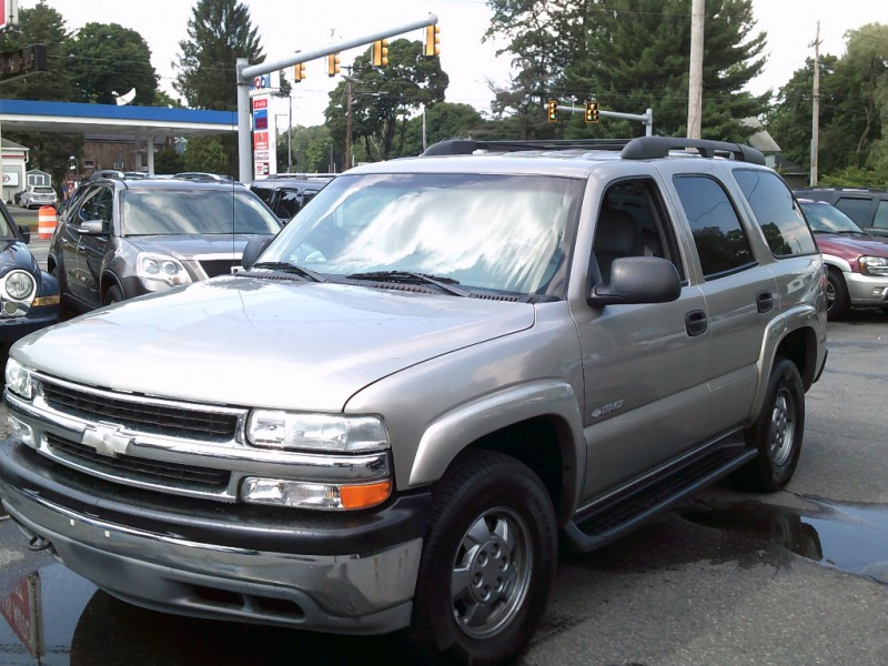 Chevrolet Tahoe 2003 price $4,995 Cash