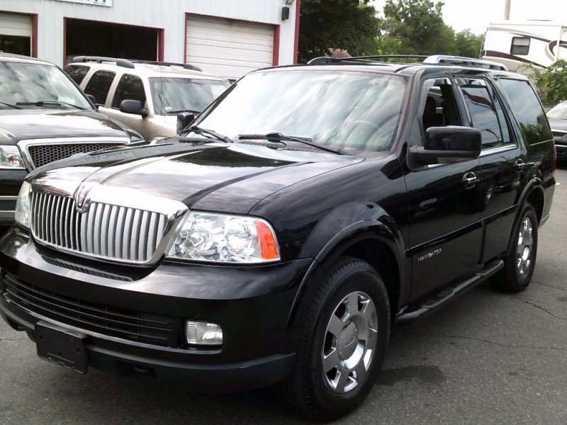 Lincoln Navigator 2006 price $6,995 Cash