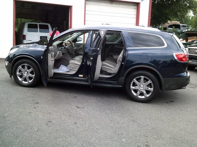 Buick Enclave 2008 price $7,995 Cash