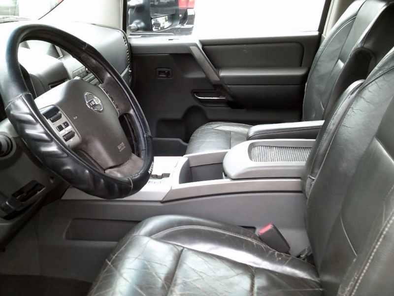 Nissan Titan 2005 price $3,995 Cash