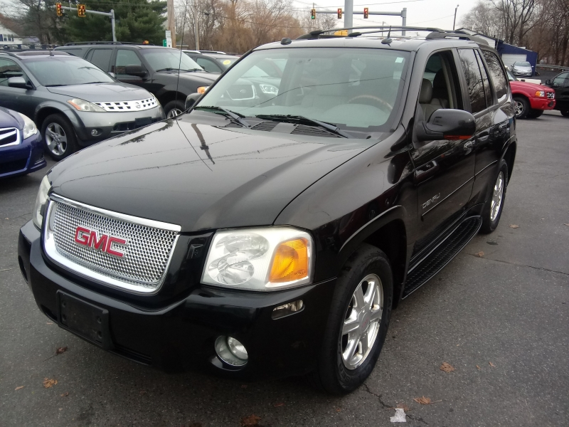 GMC Envoy 2005 price $4,995 Cash