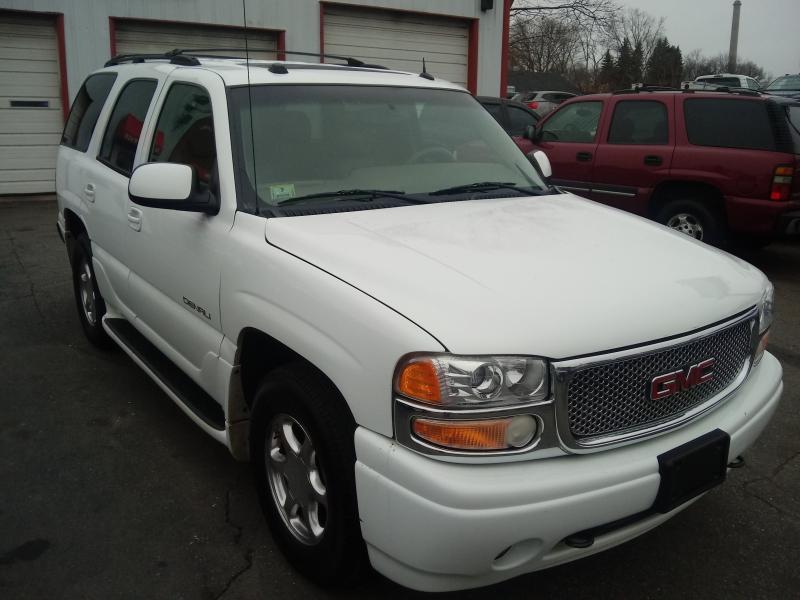 GMC Yukon 2004 price $6,995 Cash