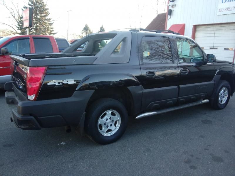 Chevrolet Avalanche 2005 price $5,495 Cash