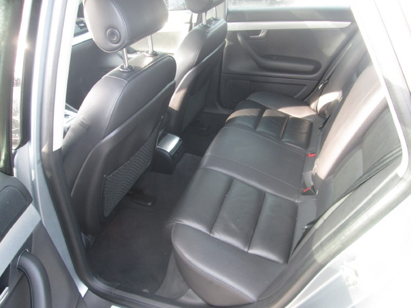 Audi A4 2005 price $3,995 Cash