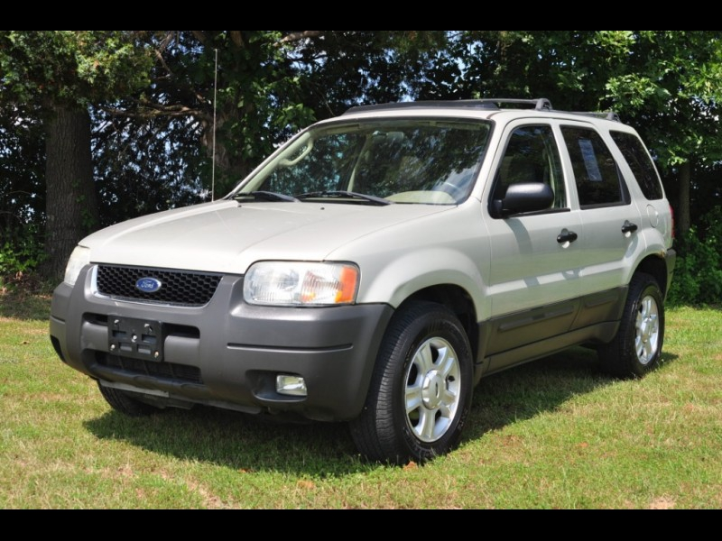 Ford Escape 2003 price $2,995 Cash
